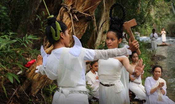 Sacred Dancers of Angkor – The Nginn Karet Foundation for